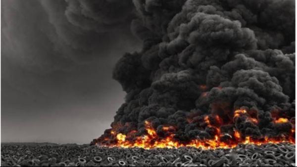 """快看!科威特""""轮胎墓地""""着火灭了吗?带来了哪些危害!"""
